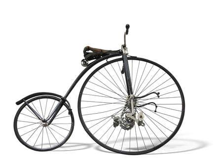 Vintage vieux vélo rétro isolé sur fond blanc Banque d'images