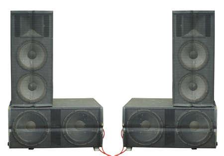 Alte leistungsstarke Bühnenkonzert-Audiolautsprecher isoliert auf weißem Hintergrund