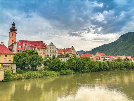 The charming little town of Frohnleiten on the Mur river in the district of Graz-Umgebung, Styria region, Austria Banque d'images