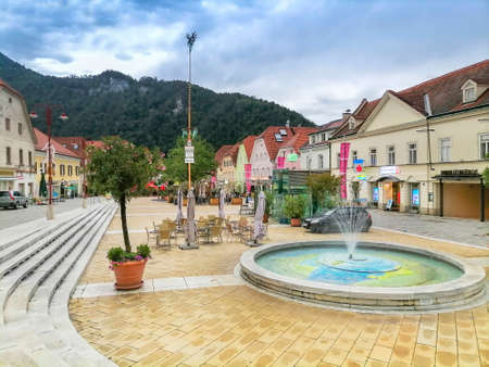 Frohnleiten, Austria- June 25, 2021: The main square of the charming little town of Frohnleiten in the district of Graz-Umgebung, Styria region, Austria Éditoriale