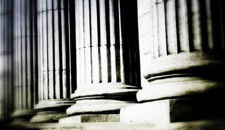 derecho romano: Primer plano de un brillante pilar cl�sico