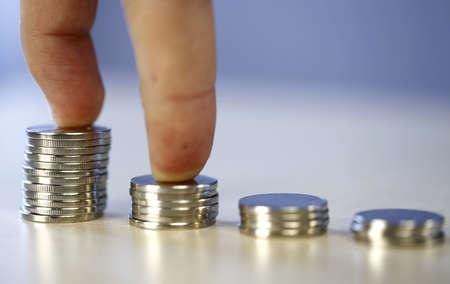 progressive: Many towers of money - progressive increase