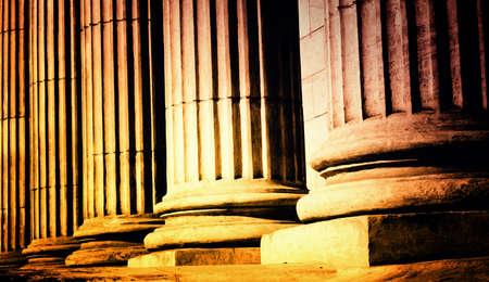 antigua grecia: Primer plano de un pilar clásico brillante