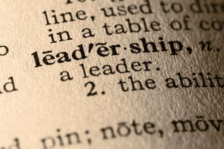 pr�voyance: Le mot leadership. Close-up de la direction mot dans un dictionnaire. Banque d'images