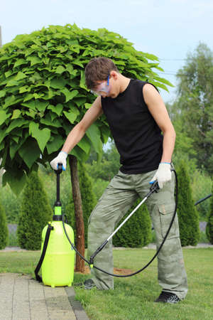 Working in the garden, preparing 1