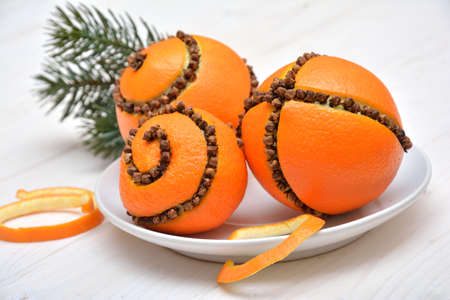 orange peel clove: Christmas decoration - oranges with cloves