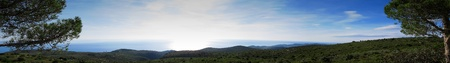 paisaje mediterraneo: Panorama desde el Parque Natural de Garraf hacia el mar, el paisaje mediterr�neo
