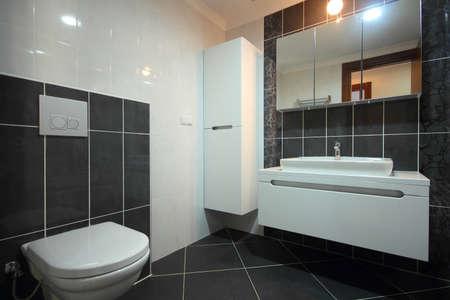 piastrelle bagno: Moderno Bagno Nero