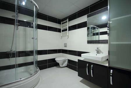 cabine de douche: Salle de bains moderne Banque d'images