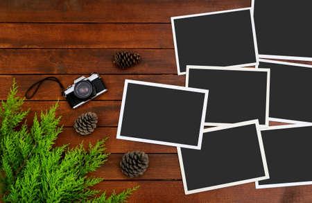 Empty Photos on the Wood Background Stock Photo - 109516099
