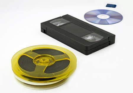 bobbin: Evolution of data storage: bobbin, video cassette, optical disk, memory card