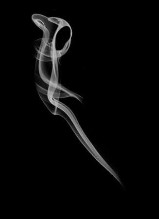 Silueta misteriosa con capucha sobre fondo negro Foto de archivo - 5027414