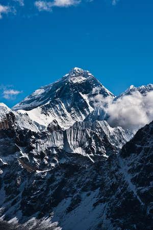 エベレストのピークまたはチョモランマ (8848 m) 世界のトップ 写真素材