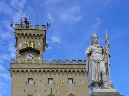 enclave: Public Palace and Statue of Liberty in San Marino. Italy Stock Photo