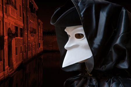 Mann in Carnival Mask in Venedig  Standard-Bild - 2861652