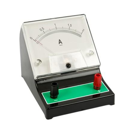 Schule Amperemesser isolated on white background Standard-Bild - 8078786