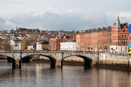 コルク、アイルランド。リー川北チャネルと聖パトリック橋