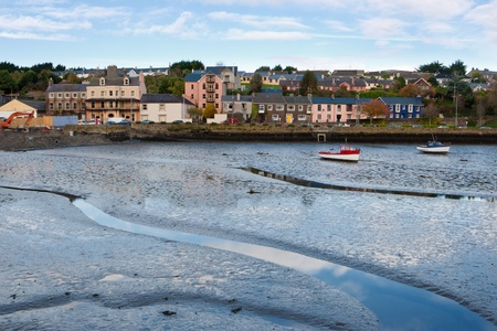 Kinsale の港の干潮。郡コルク、アイルランド