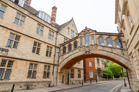 oxford street: The Bridge of Sighs between Hertford College university buildings  New College Lane, Oxford, Oxfordshire, England