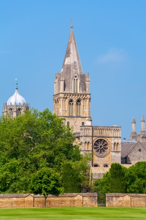 christ church: Cathedral at Christ Church and Tom Tower  Oxford, England