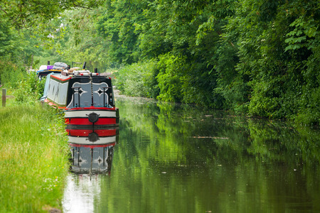 Narrowboats on the Oxford Canal at Oxford. Oxfordshire, England, UK Stock Photo - 32517407