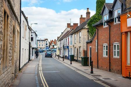 Causeway Straße. Bicester Village Oxfordshire, England, Vereinigtes Königreich Standard-Bild - 55377821