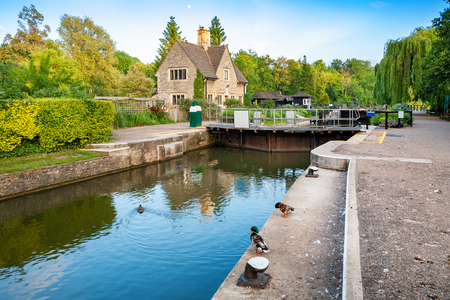 Iffley Lock on the River Thames. Oxford, Oxfordshire, England 版權商用圖片