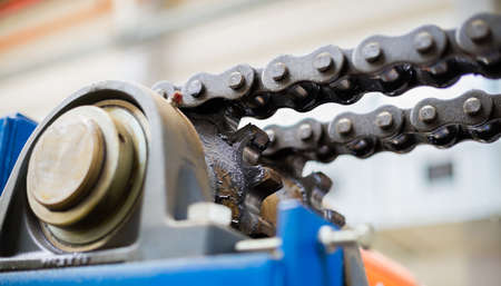 greasing: The mechanism of the chain transmission. Bearing, drive shaft, gear and chain lubrication.