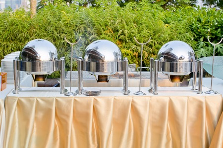 chafing dishes at a party Banque d'images