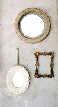 Ensemble de différents miroirs antiques et modernes à cadre photo. Banque d'images - 34615477