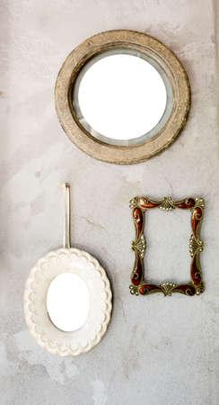Ensemble de différents miroirs antiques et modernes à cadre photo. Banque d'images - 34616419