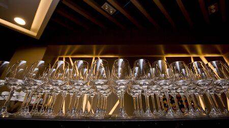 receptacle: Row of wine glasses