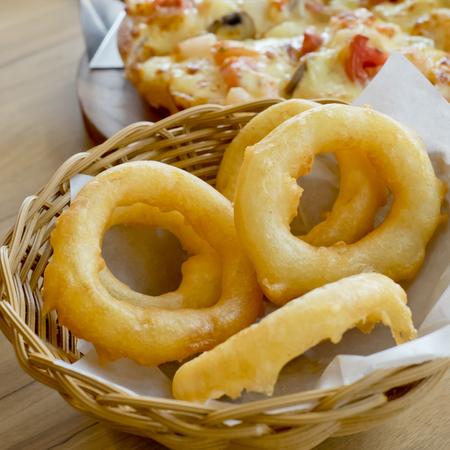 aros de cebolla fritos. alimentos lado Dish.Fast