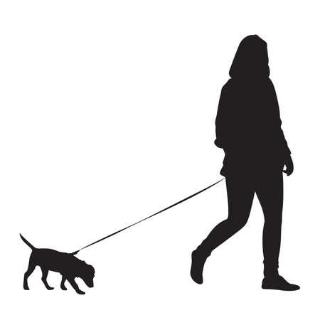 yürüyüş: Kız köpek ile yürüyen - Siluet
