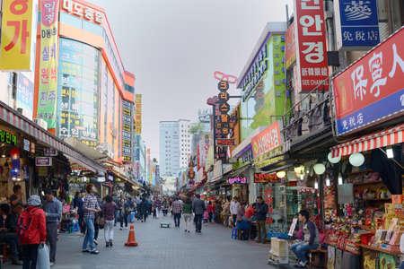4 月 22 日韓国ソウル、南大門の雰囲気、ソウル, 南朝鮮の最大の伝統的な市場の 1 つに市場 2014 年 4 月 22 日