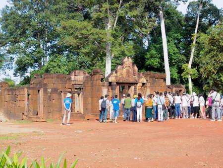 シェムリ アップ, カンボジア - 2016 年 10 月 30 日: バンテアイ ・ スレイやバンテアイ ・ スレイ寺院、シェムリ アップ、カンボジアの 10 世紀のヒン 報道画像