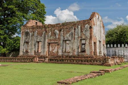 キング奈良井のロッブリー県、タイで彼の宮殿の王室礼拝堂の遺跡。キング奈良井 1688 に 1656 からアユタヤ王国を支配しました。