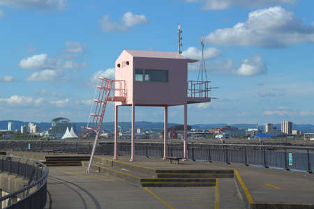 Pink Observation Shed - Cardiff Bay, Cardiff, Wales Banque d'images