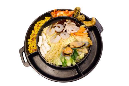 Seafood Pan Tokboki korea buffet on white isolate background Foto de archivo
