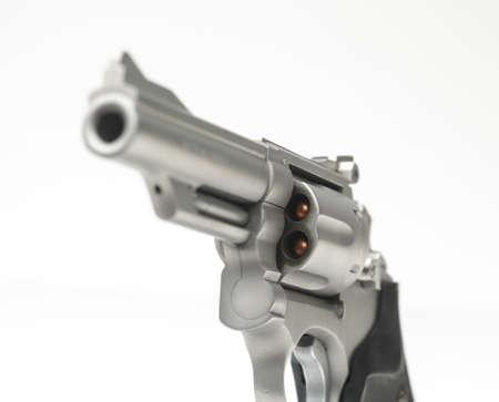 白い浅い焦点ステンレス 357 マグナム リボルバー 写真素材