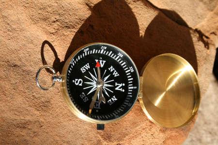 compass in sun 版權商用圖片