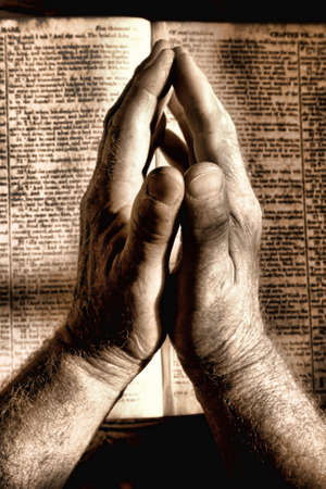manos orando: Manos rezando