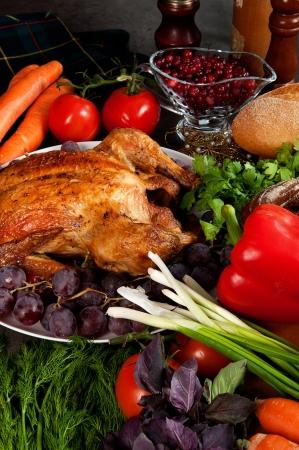 opvulmateriaal: Geroosterde vakantie kalkoen gegarneerd met zuurdesem vulling en fruit