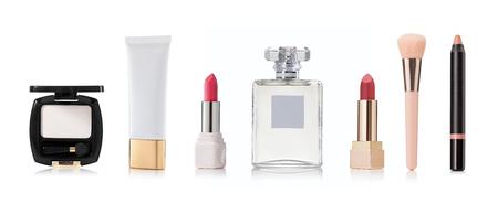 productos de belleza: productos cosméticos y de belleza en un fondo blanco