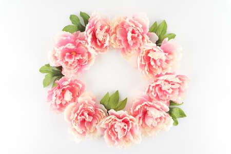 Pink Peony Flower Wreath Circle on a White Styled Desktop  - Silk Artificial Flowers - Crafts Foto de archivo