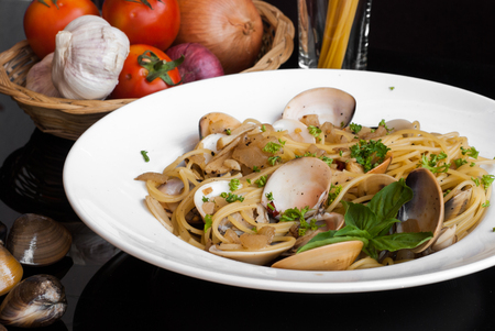spaghetti Vongole with Chilli and ingredients