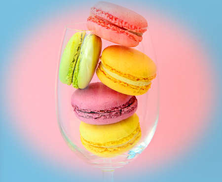 papel filtro: Sweet and Colourful French Macaroons. Studio Photo