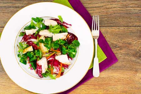 escarola: Ensalada de la mezcla de Batavia, Frisia, achicoria, achicoria pollo en la dieta de comidas