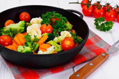 tortilla de maiz: Steamed Vegetables Potatoes, Carrots, Cauliflower, Broccoli Studio Photo