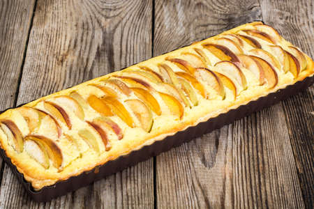 Apple Pie with Cottage Cheese and Peaches Studio Photo Stockfoto